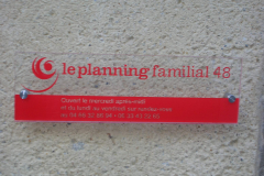 plaque plexi planning familiale