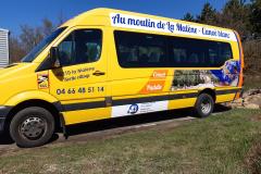 Au Moulin de la malène bus jaune